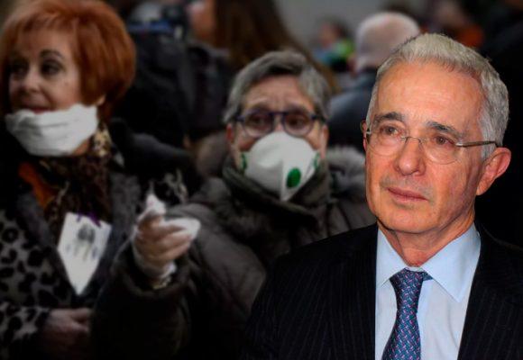 El coronavirus, el mejor amigo de Alvaro Uribe