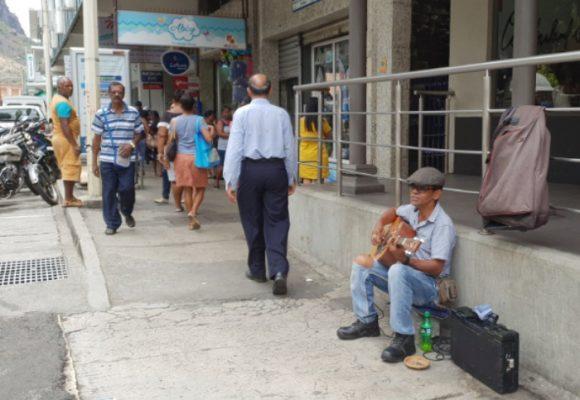 El desempleo no refleja todo el problema laboral de Colombia