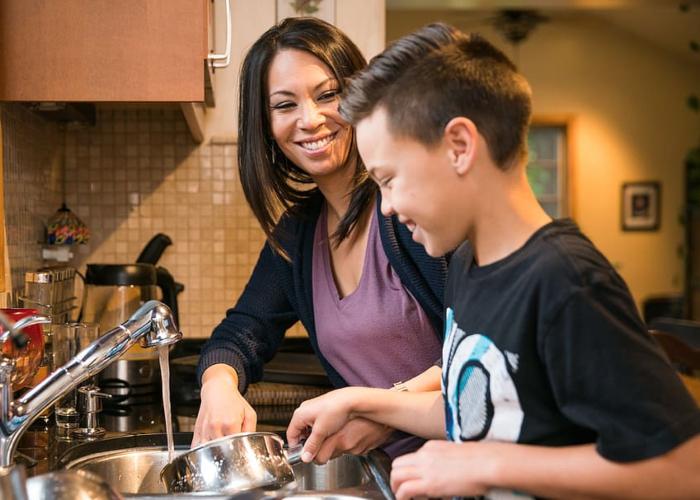 Cuidar el hogar no es un acto de amor, es un trabajo no remunerado
