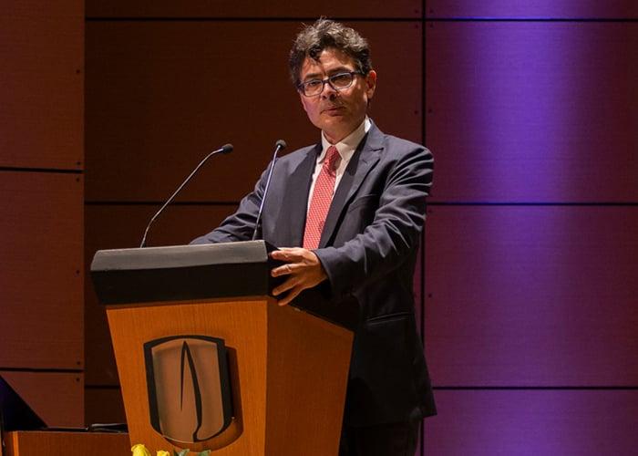Alejandro Gaviria, sea rebelde y no se resigne con la situación del país