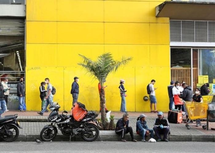 El COVID-19 en Colombia: ¿una lucha entre la ley y el hambre?