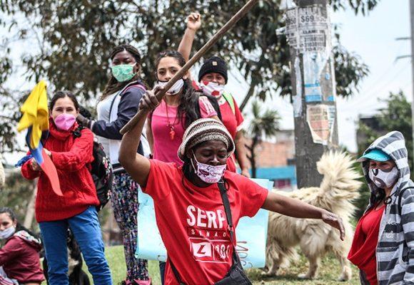 Banderas rojas: entre la emergencia social y la protesta