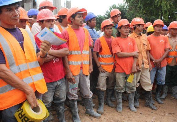 ¡A los obreros nadie nos está escuchando!