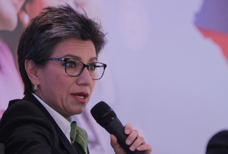 """""""Hay que estar preparados, esto va a durar un año"""": Claudia López"""