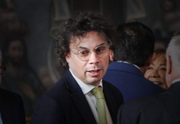 Cuando Hassan Nassar criticaba a Santos por preferir a los bancos que a los colombianos