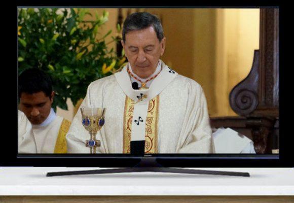 Rubén Salazar, el cardenal que tuvo que cambiar la Catedral por la tele misa