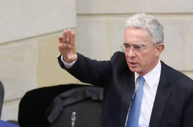 Alvaro Uribe, mande a descansar a Duque y sea nuestro presidente durante el Coronavirus