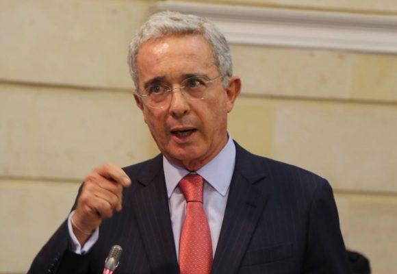¿Y si Álvaro Uribe estuviera en Miami?
