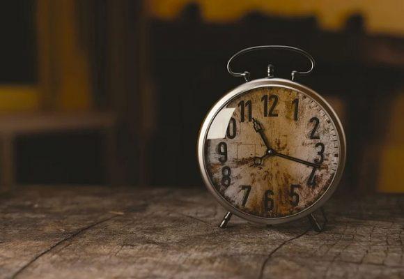 Diferencia de criterios: leyendo el tiempo de otra manera