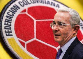 Uribe se le metió al espinoso tema del fútbol