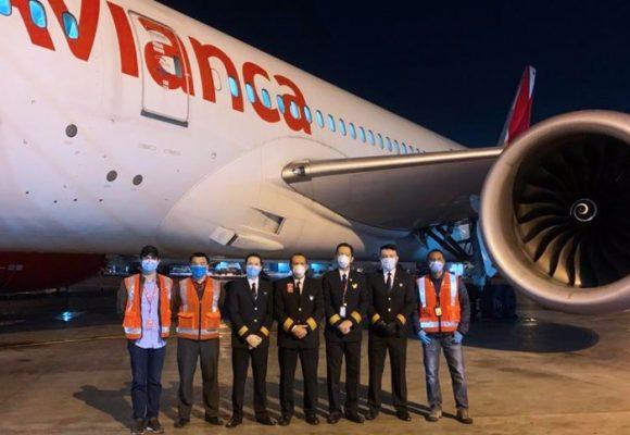 Avianca llega a Asia al no poder volar en Colombia