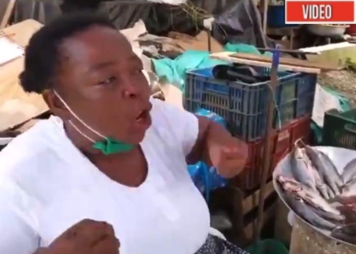 El grito desesperado de una vendedora de pescado en Chocó