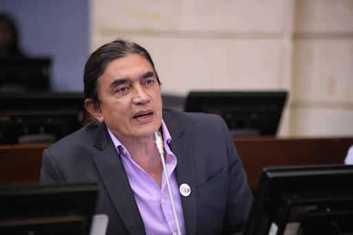 Llamar matarife a Uribe: la última estupidez de Gustavo Bolívar