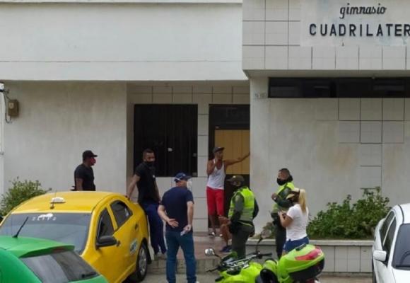 Gimnasio en Barranquilla usó a gatos y perros como sacos de boxeo