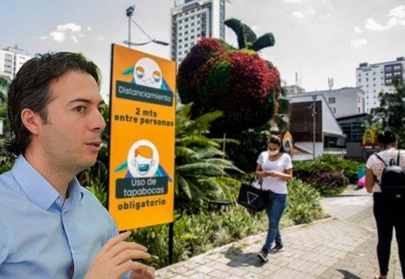 Medellín abre este lunes tres centros comerciales