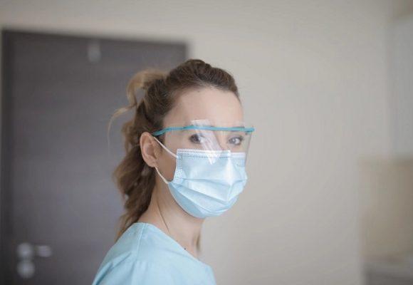Los vacíos del decreto que reconoce al COVID-19 como enfermedad laboral
