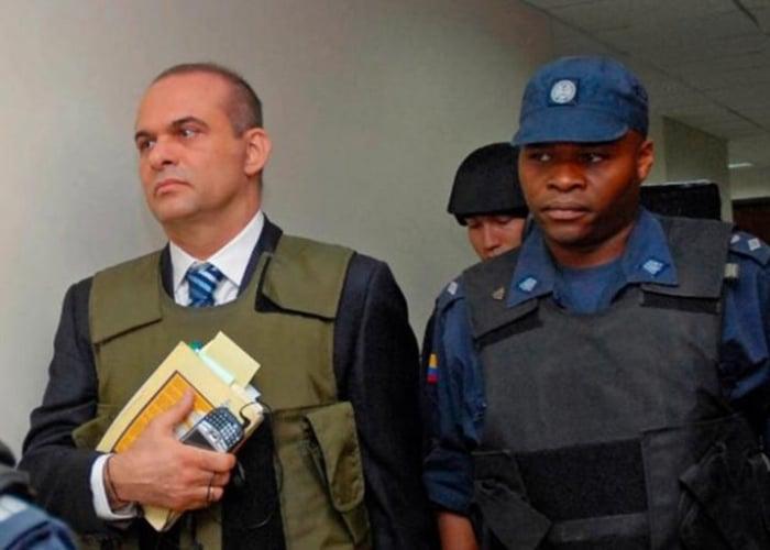 Mancuso y la impunidad de los crímenes del paramilitarismo con la extradición