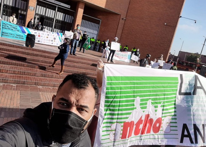 Trabajadores de la salud de Bogotá exigen al gobierno que atienda sus reclamos