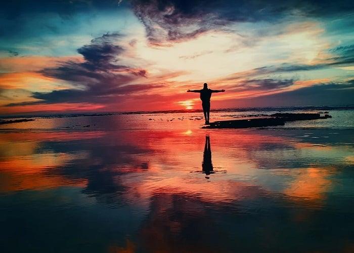 ¿Cuándo nos prohibirán ver las puestas de sol que al observarlas borran el concepto de recuerdo?