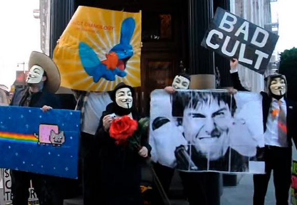 Anonymous se posicionó metiéndose con el intocable Tom Cruise