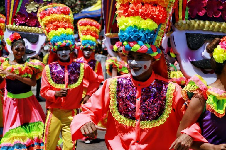 Barranquilla ahogada por la pandemia y la directora del Carnaval dice que habrá Batalla de Flores