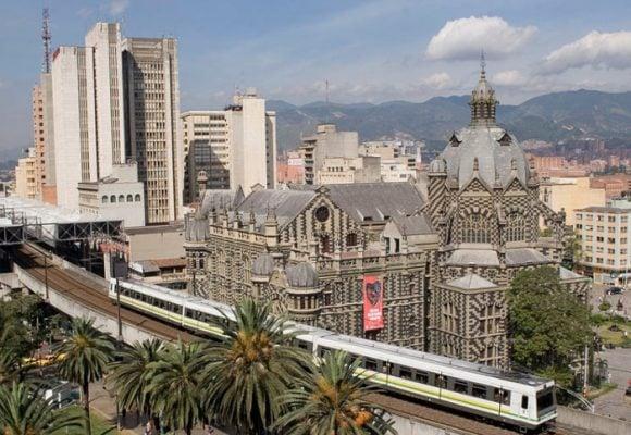 Medellínno se doblega