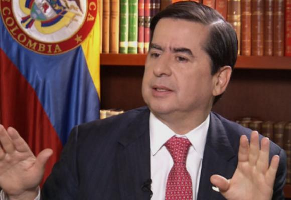 """No desfallezcamos, no nos resignemos a la guerra"": Juan Fernando Cristo"