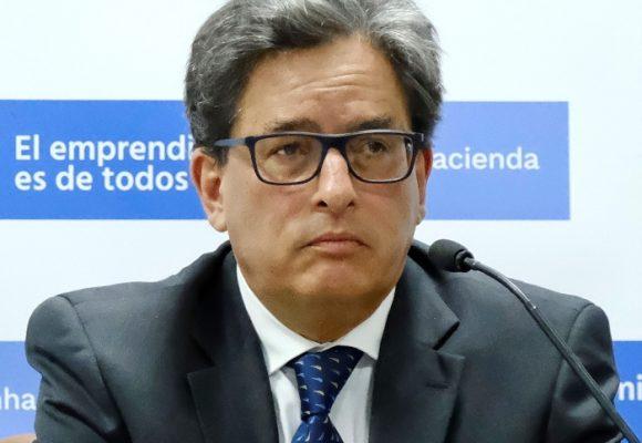 Minhacienda Carrasquilla empezó a echarle mano a las pensiones de los departamentos