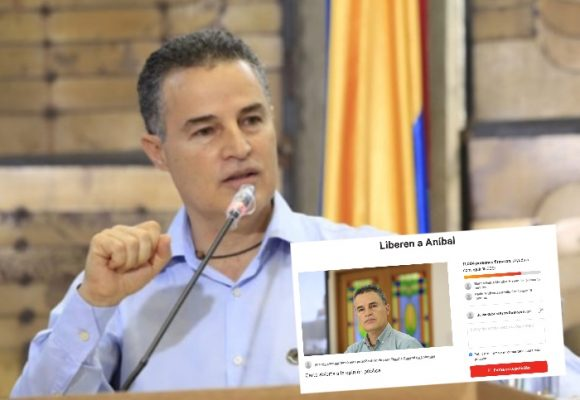 Firmatón a favor del gobernador Aníbal Gaviria