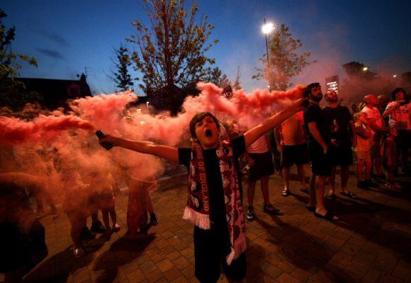 Una celebración que podría ser mortal: Liverpool estalla en fiesta