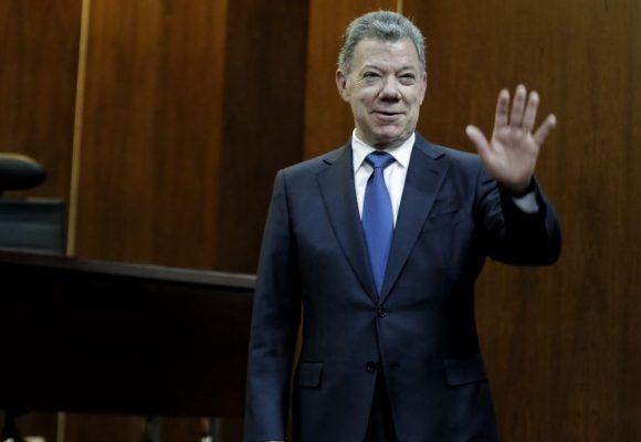 La rabia de los uribistas por ver a Santos en la junta de fundación Rockefeller