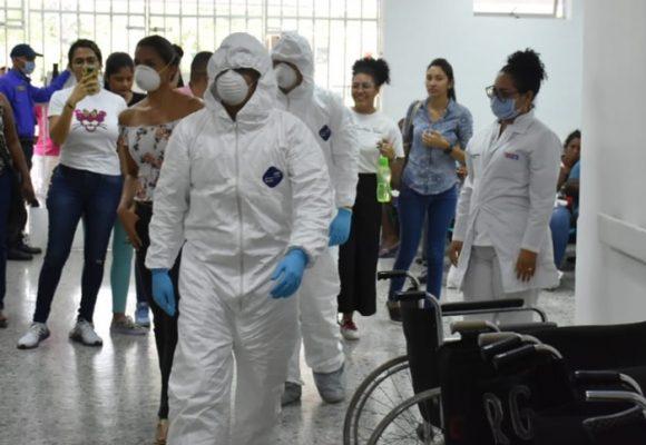 En Cartagena los muertos ya empiezan a acumularse en las casas