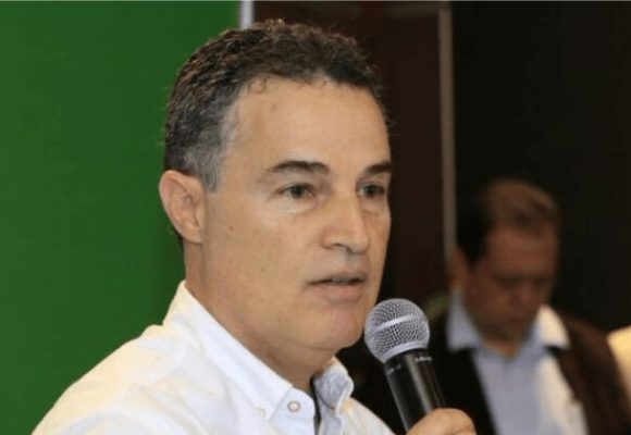 Solo preguntas sobre el gobernador de Antioquia