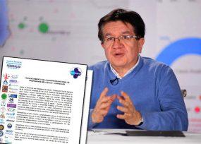 Médicos retan a Minsalud a mostrar pruebas por negocio con UCIs