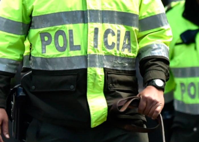 Amenazan a niña con retraso mental que habría sido violada por patrullero en Bogotá
