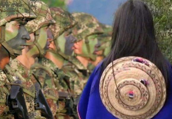 Los soldados tenían escondida a la niña en el potrero de una casa, maltratada, herida