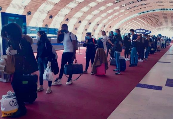 Tarifas de vuelos humanitarios, de humanitarias poco