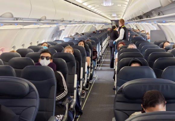 21 colombianos repatriados trajeron el COVID-19 a Colombia
