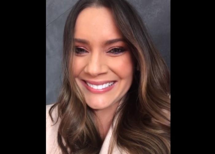 Más radiante que nunca Jessica de la Peña tendrá su segundo hijo a los 44 años