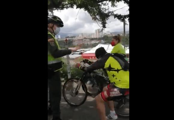 El Neymar colombiano: violó toque de queda, policia lo toca y finge agresión