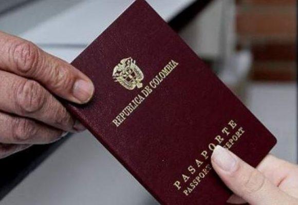 Echaron a la Cónsul en Buenos Aires que despreció a estudiante colombiana