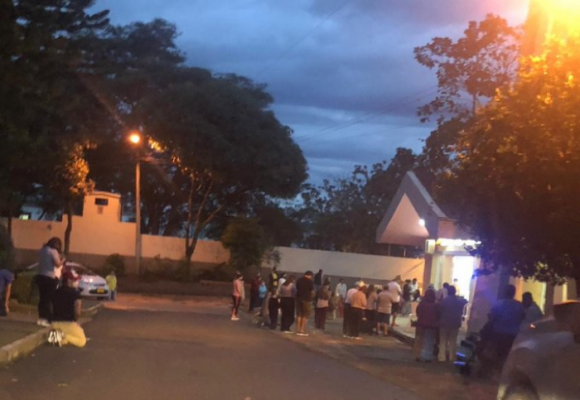 En plena pandemia sacerdote hacen misa en Bucaramanga