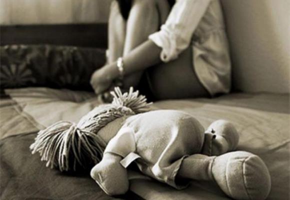 En Bucaramanga mujer vendía sexualmente a su hija por Facebook