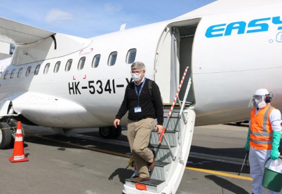 Director de Aerocivil, pasajero en el primer vuelo comercial en pandemia
