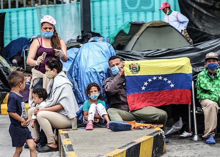 Hambre y humillación: venezolanos acorralados en Bogotá por la pandemia