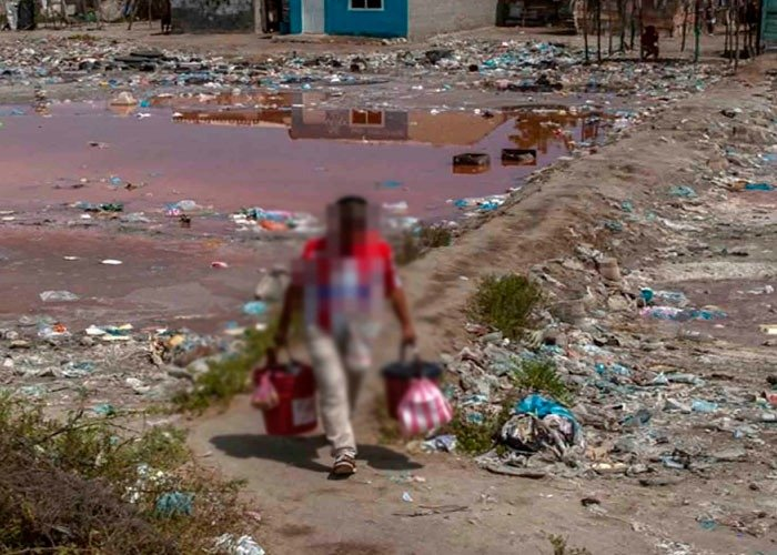 Sin luz, ni agua y entre la basura: la vida miserable de la gente en Tasajera