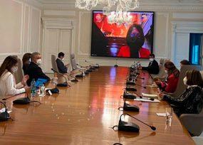Con su esposa y 10 colaboradores el Presidente instaló el Congreso