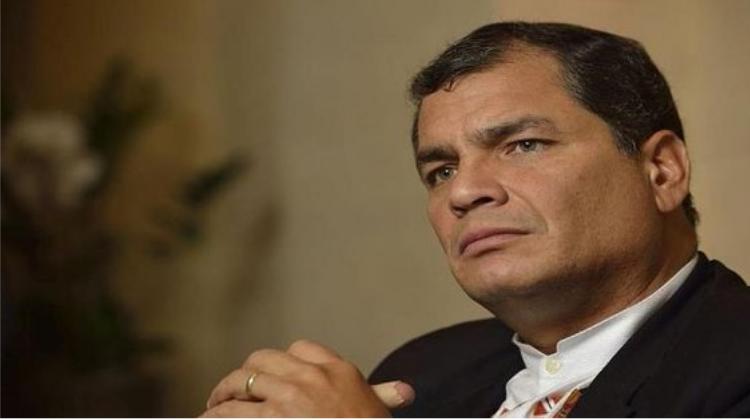 Democracia proscrita en Ecuador