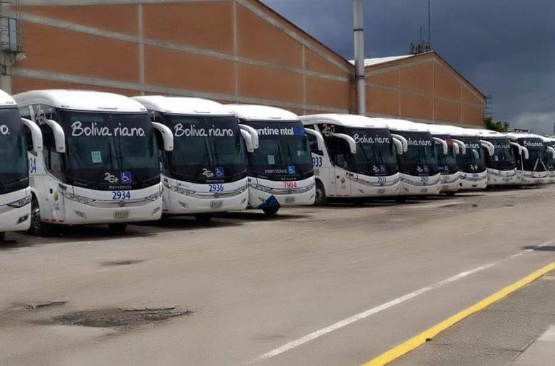 Las empresas de buses están tan golpeadas como los aéreas