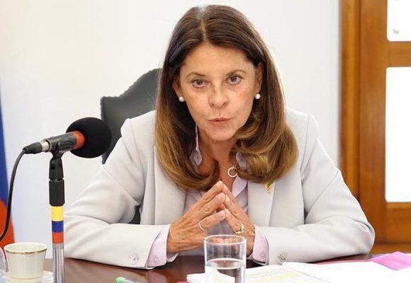 Lluvia de críticas a vicepresidenta tras pedir paciencia ante la vacunación